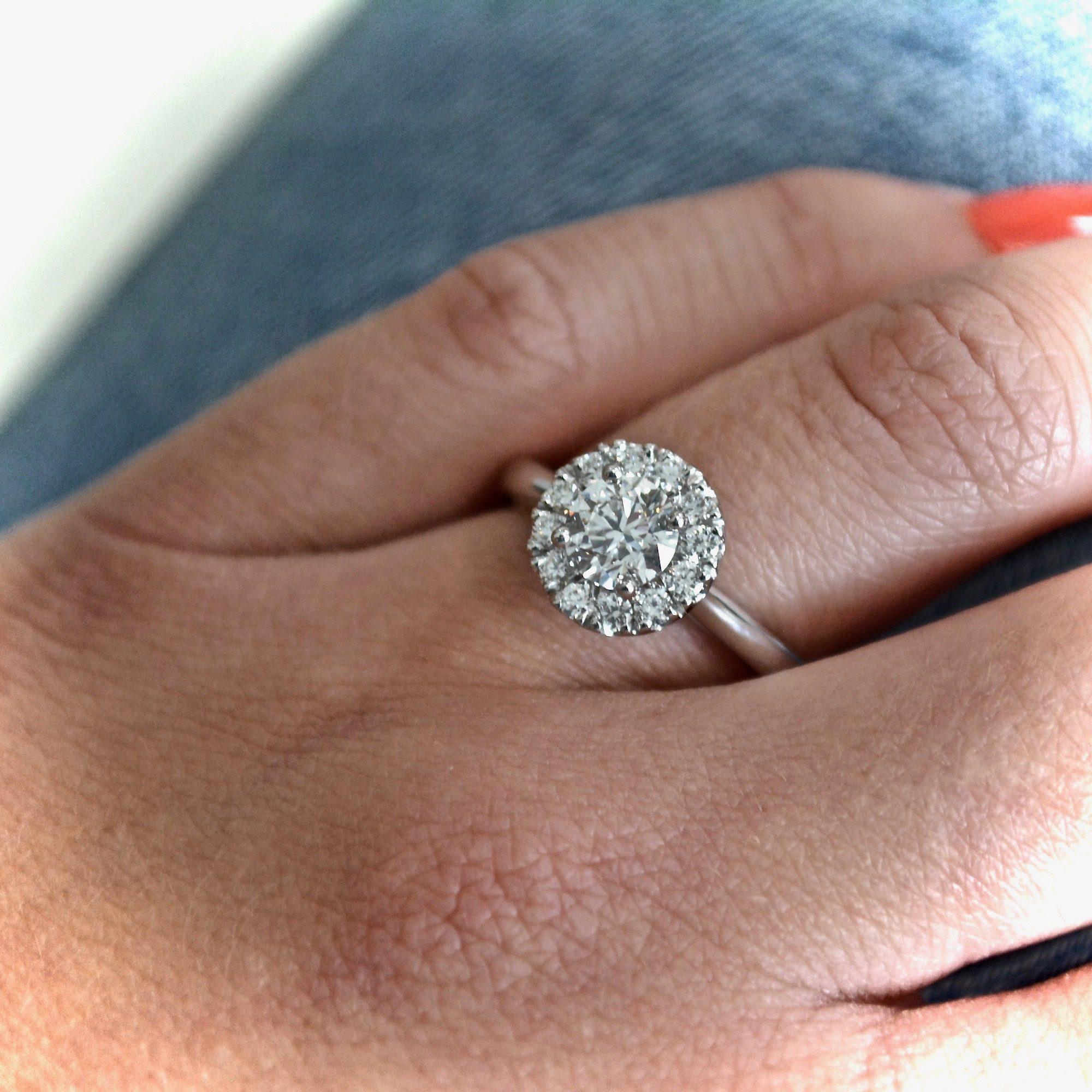 round diamond halo in white gold