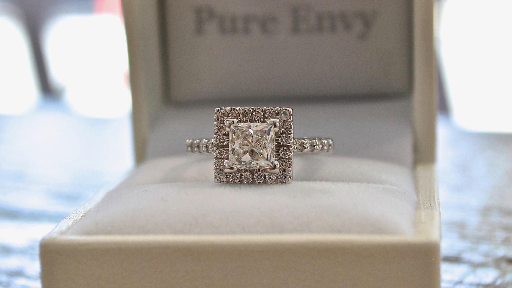 princess cut diamond halo