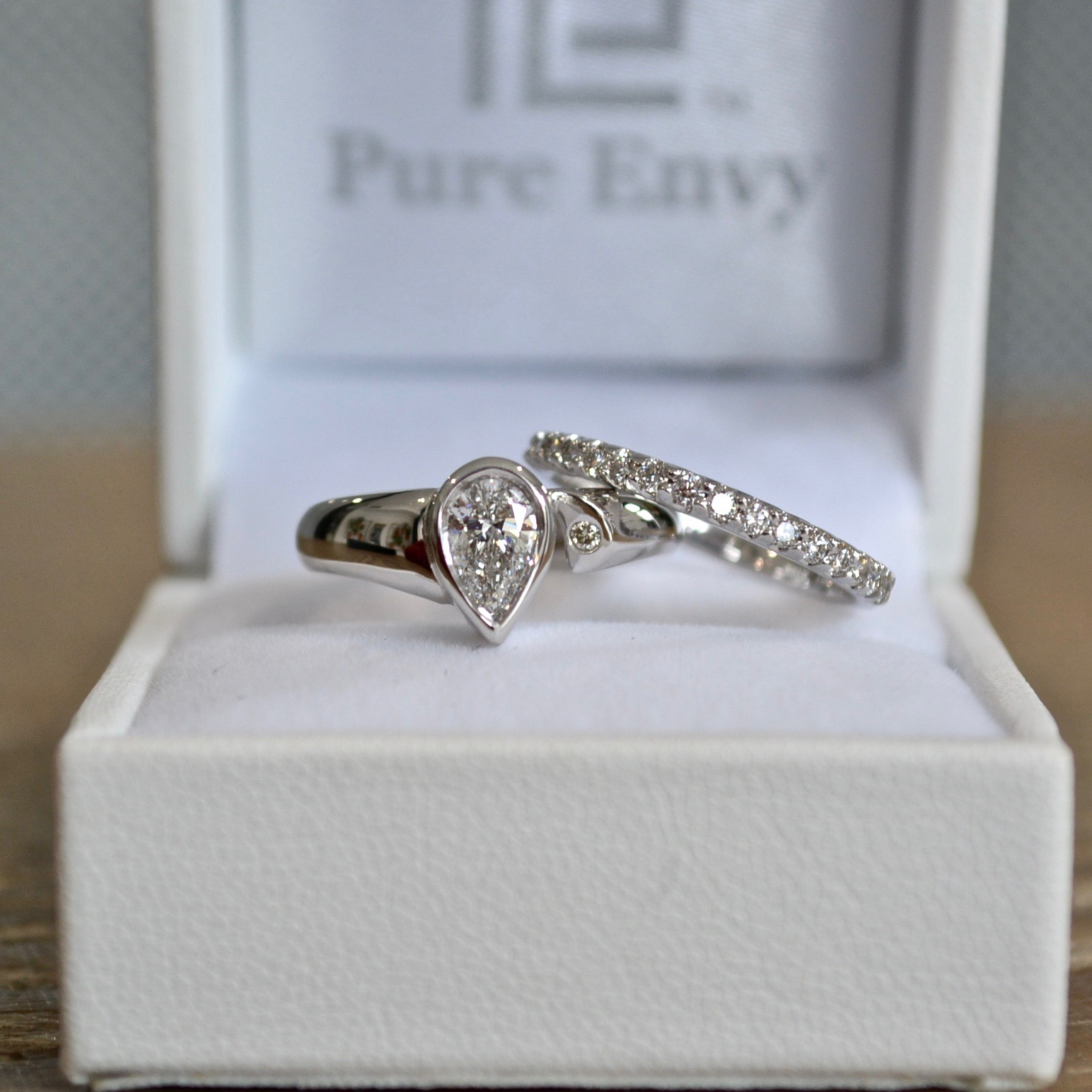 Pear shaped diamond solitaire
