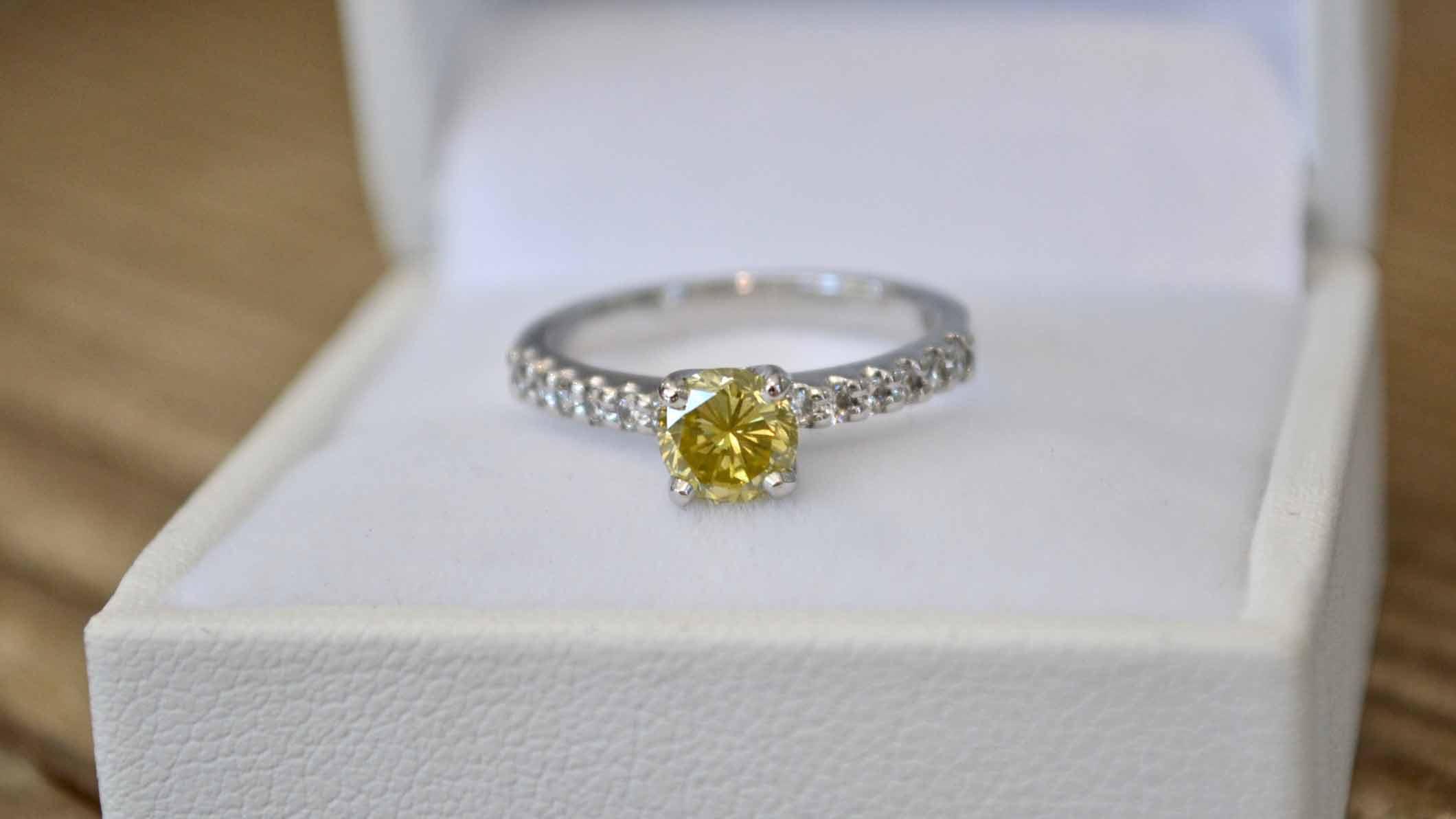 custom engagement rings online