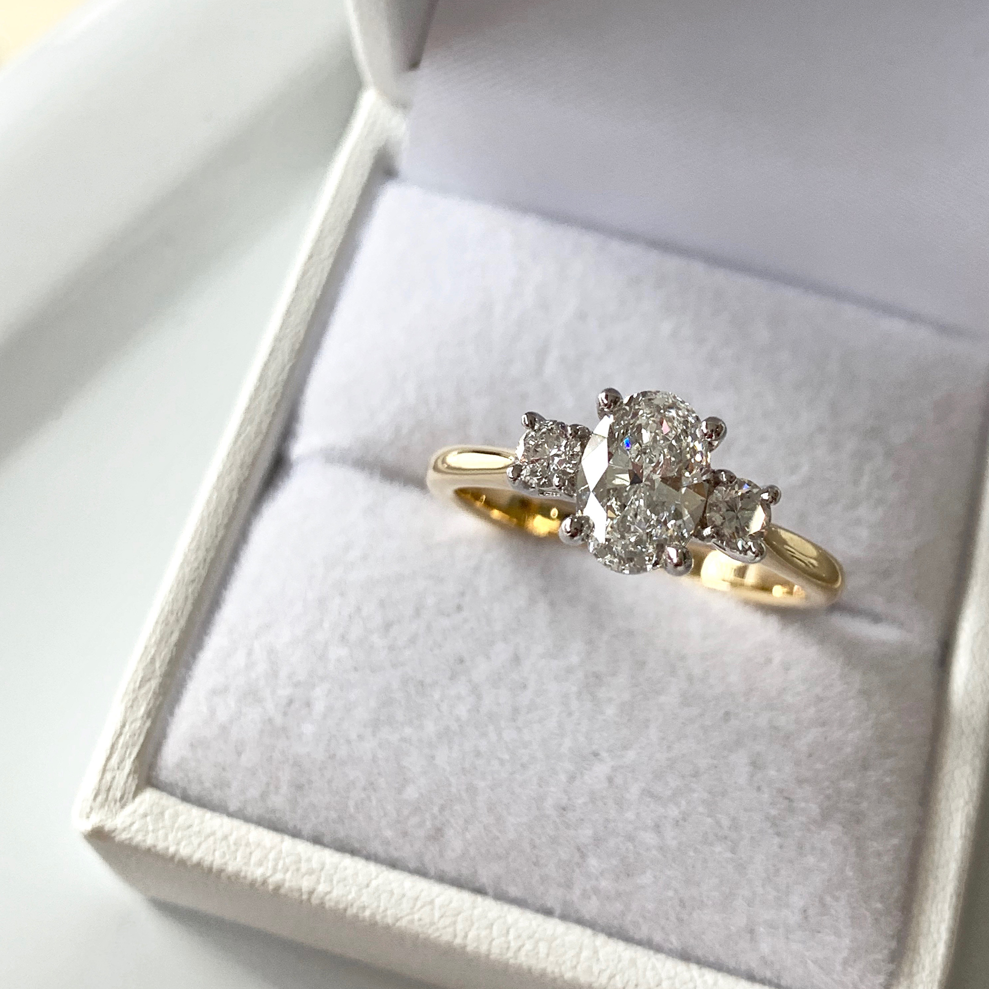 oval cut diamond engagement rings online