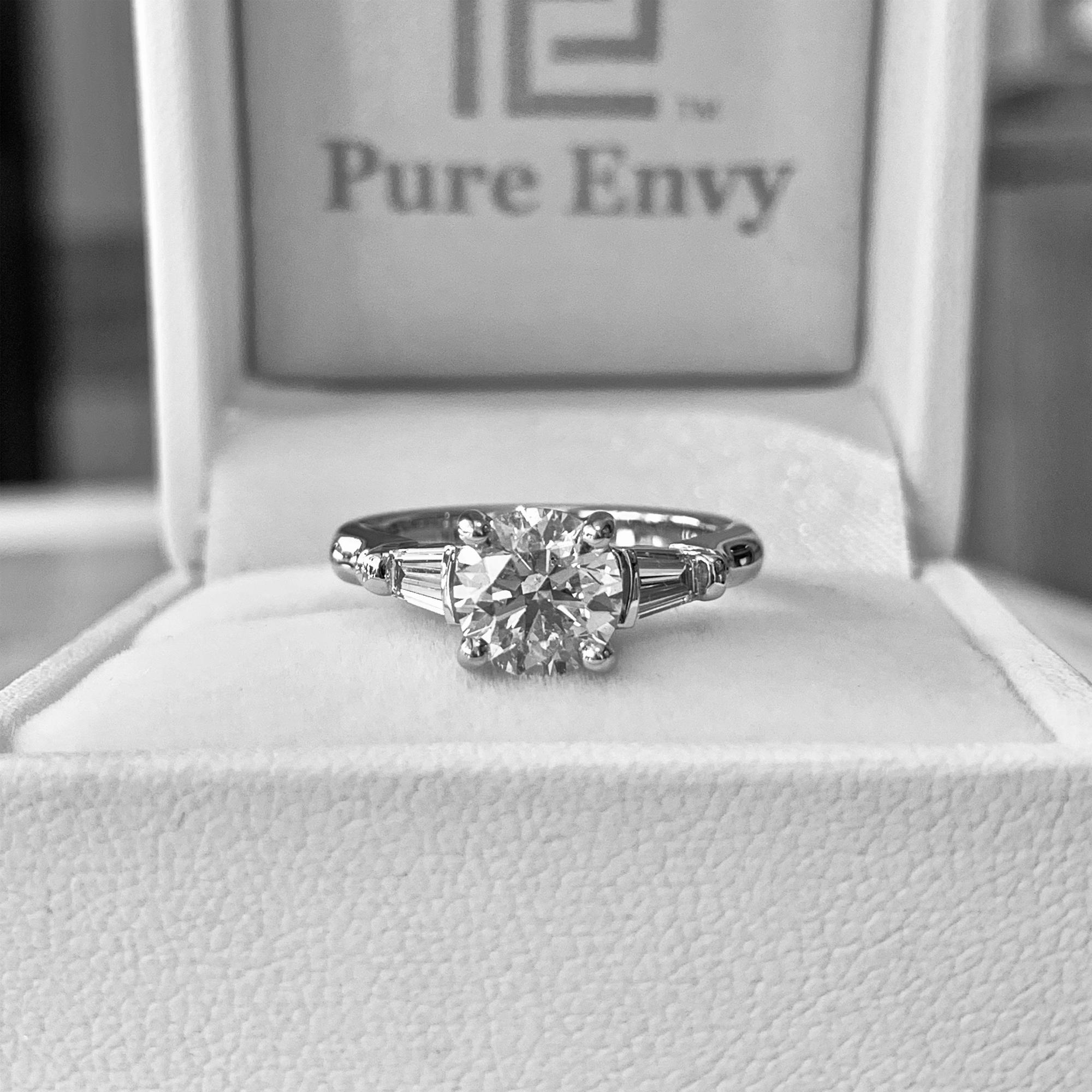 oval diamond ring