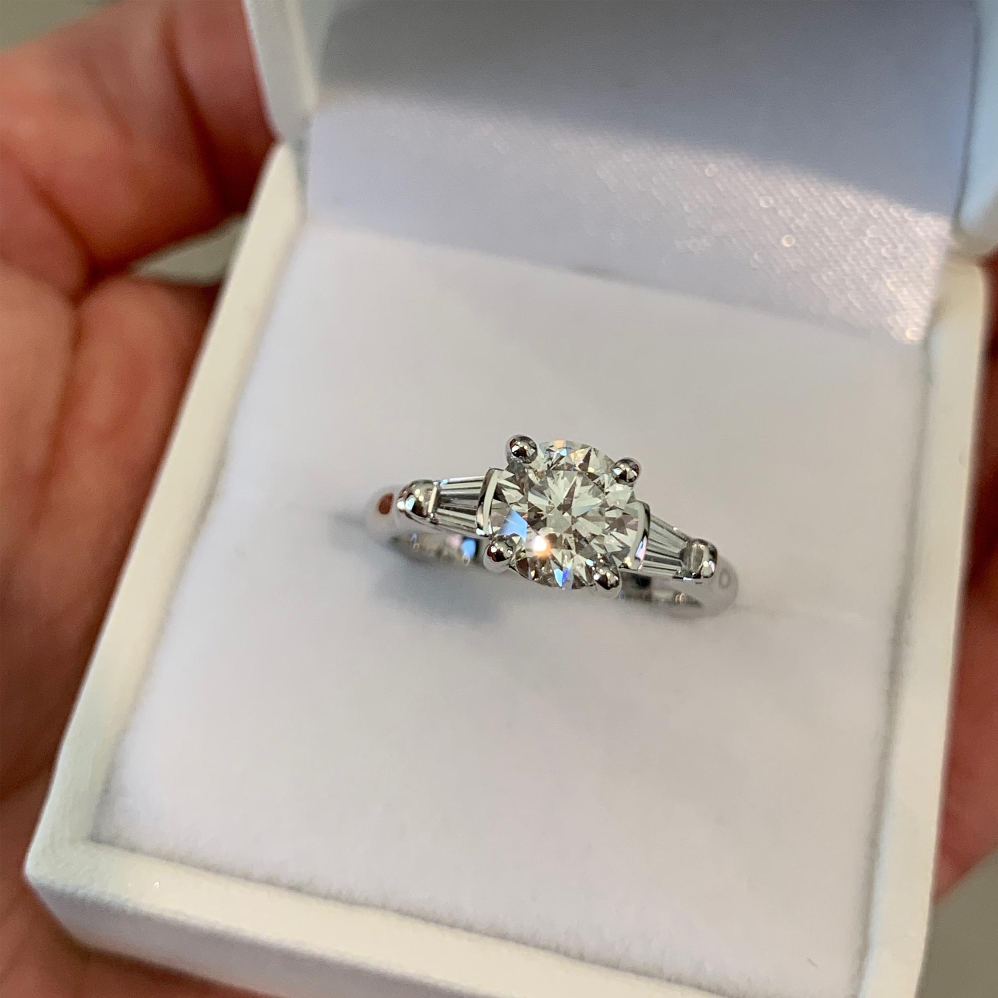 oval diamond wedding bands
