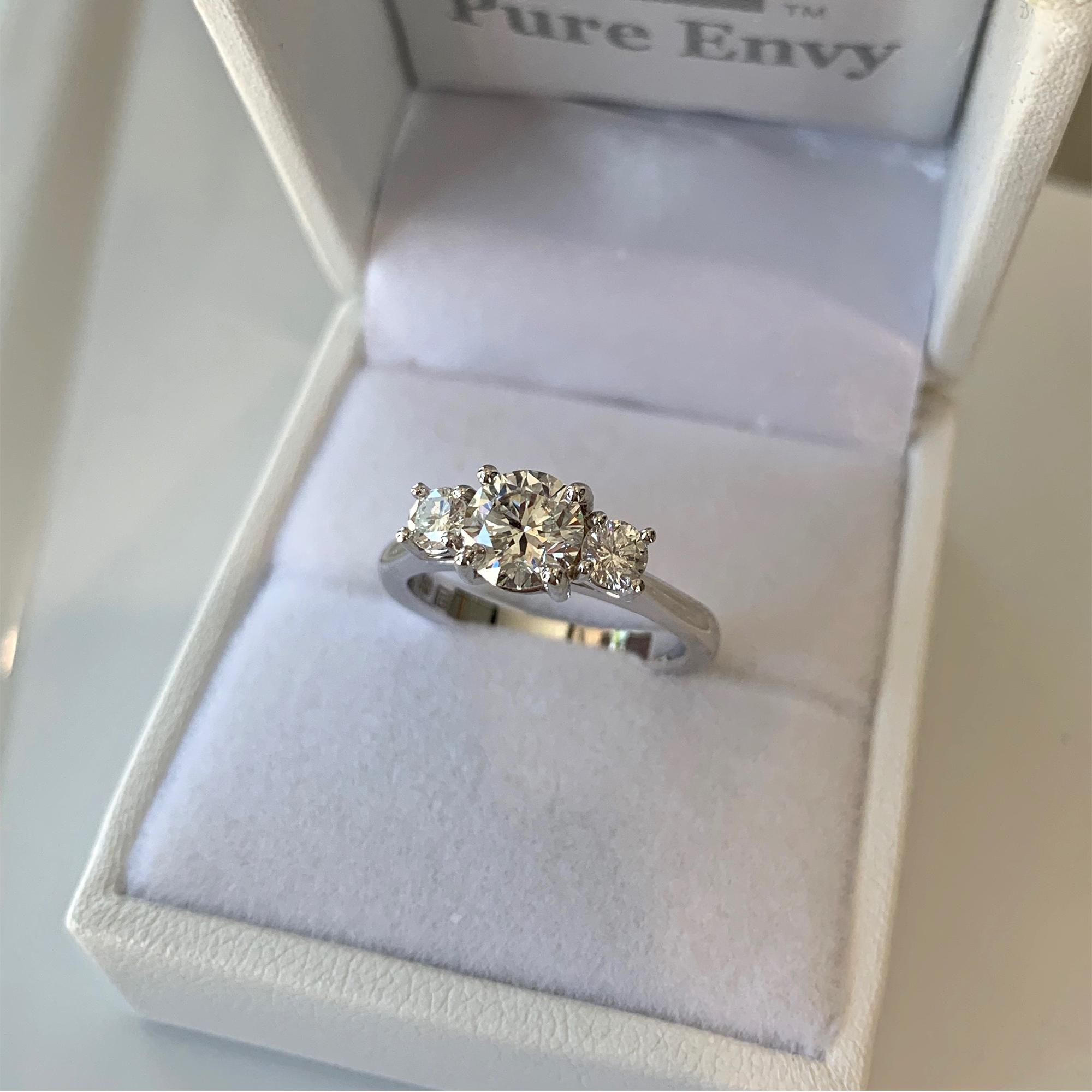 womens solitaire diamond ring